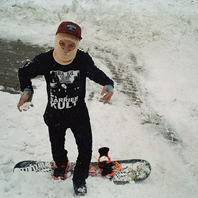 #FICTIONWEAR #dogwithsword #truesnowboard #snowboard #snowboarding photo by @1nterzone